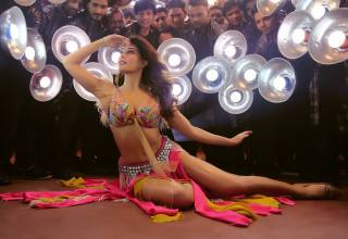 Jacqueline Fernandez pays tribute to Madhuri Dixit in Baaghi 2 song Ek Do Teen song