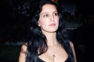 isabelle kaif hot and sexy pics,