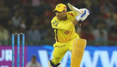 Royals challengers Bangalore (RCB )vs Chennai super kings (CSK) ipl Highlights 2018:Twitter fan goes gaga over MS Dhoni another vintage finish beat Royal Challengers to go top