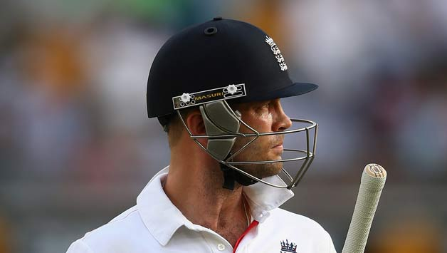 Former England batsman Jonathan Trott decides to retire at the end of the season