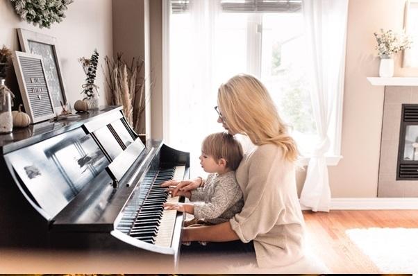 Right Piano Teacher