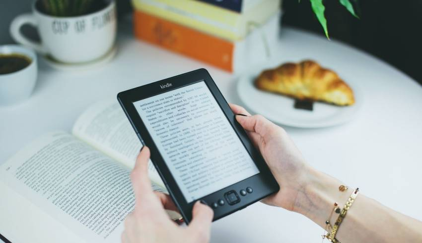 HERE'S HOW E-BOOKS ARE EVOLVING PUBLISHING INDUSTRY