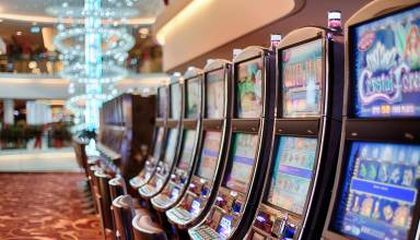 Play Online Slots for Free or Real Money
