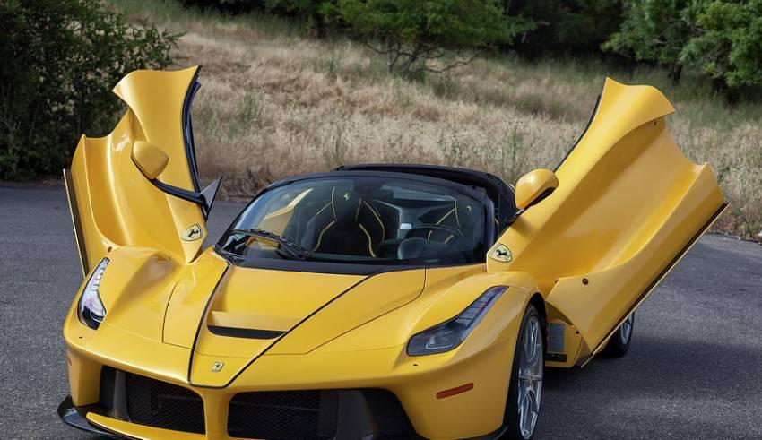 rent sports car in dubai