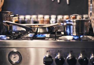 Stainless-Steel-Cookware-Brands