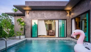 Make your newly married life a bliss - try private pool villa for a honeymoon today!