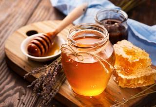6 Surprising Benefits of Manuka Honey