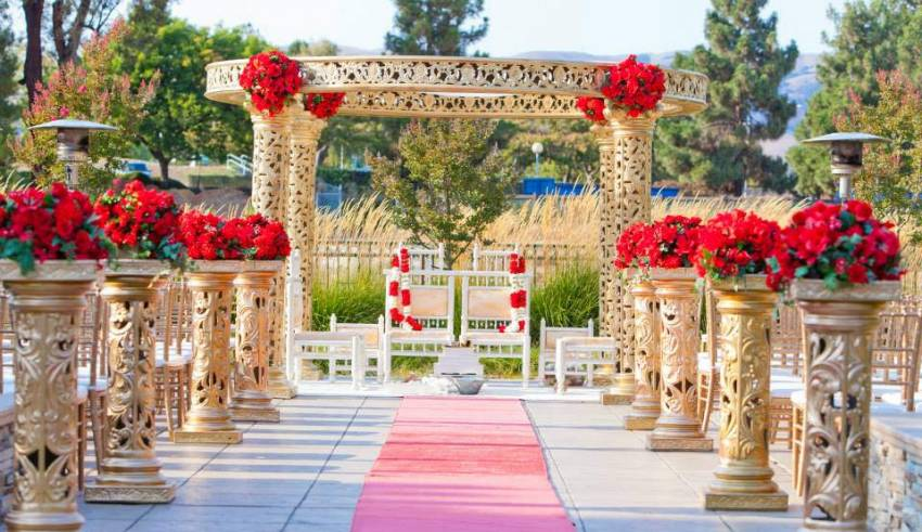 WORKING IN THE WEDDING AND EVENT INDUSTRY