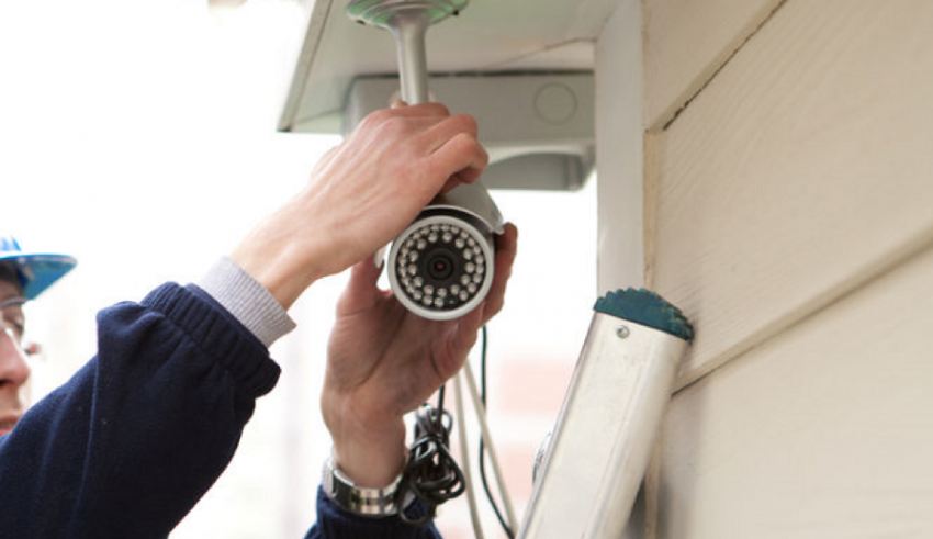 4 Reasons to Choose a Local Home Security Company