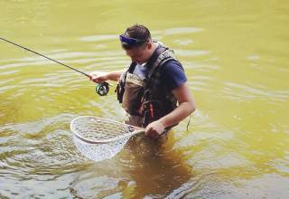 FLY FISHING - A COMPLETE GUIDE
