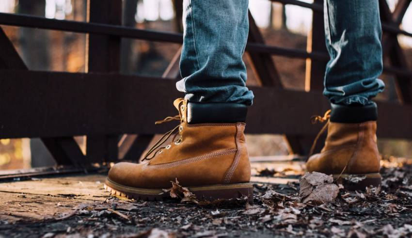 6 Tips for Finding the Best Slip On Work Boots