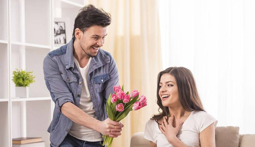 WHAT ARE THE FIVE WAYS TO PLAN A SURPRISE FOR YOUR WIFE'S BIRTHDAY?