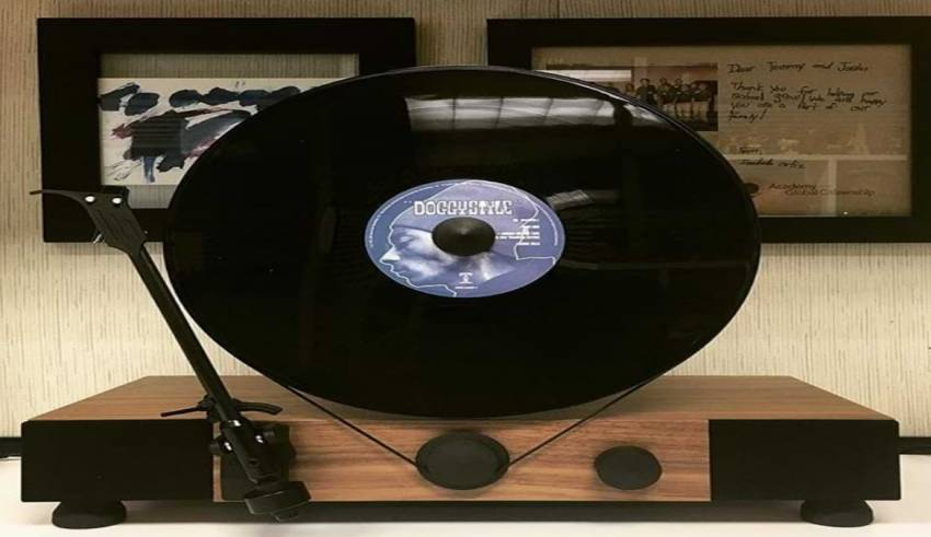 Comeback Of Floating Record Players