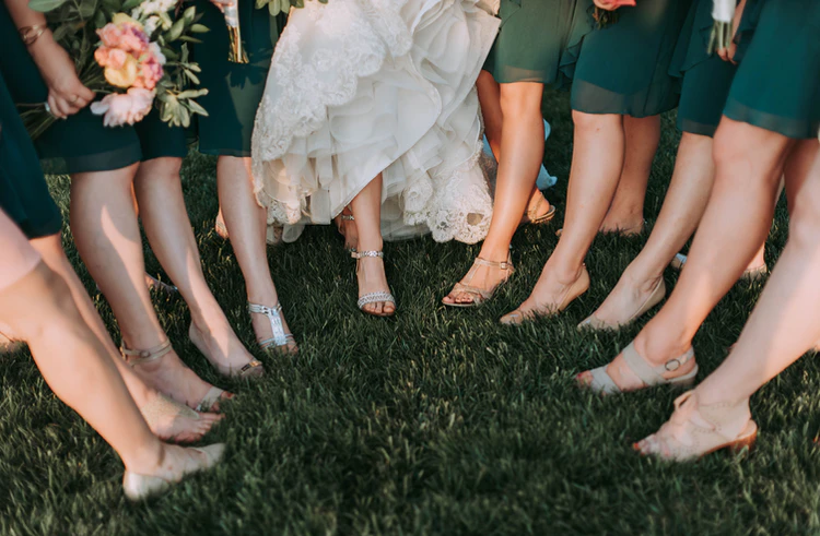 How To Contact A Reliable Bridesmaid Dress Provider