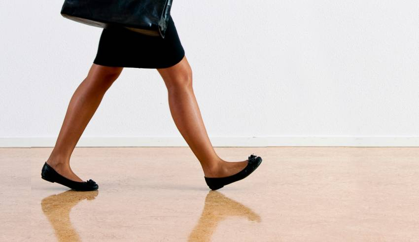 How Should You Wear Flats in the Office?