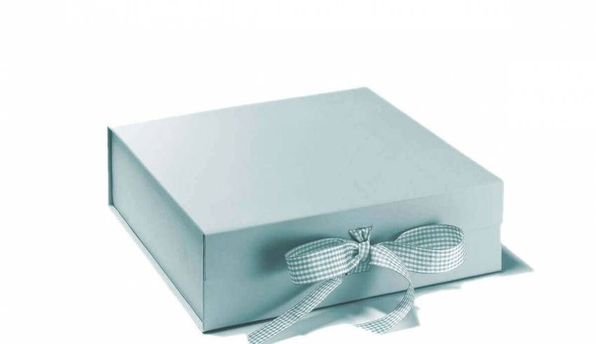 Gift boxes in card material secure the gifts yet attract the recipients